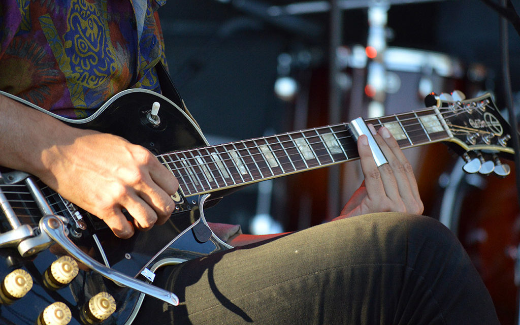 ¿Por qué asistir a conciertos de bandas emergentes? (Explicado paso a paso con GIF animados)