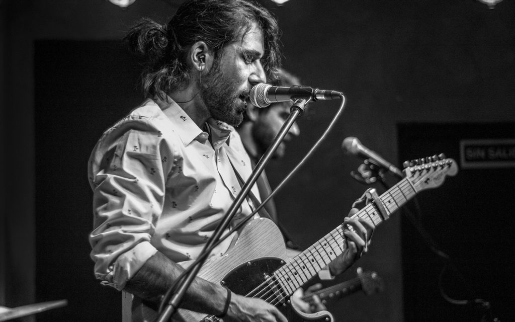 Claim + Evelyn Piñero en Alive Music Bar