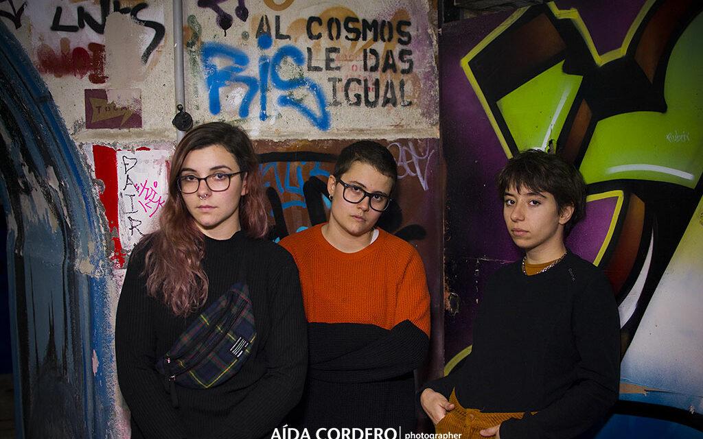 Entrevista a Raro: «La gente todavía está planteándose si los grupos de mujeres tienen algo que decir»